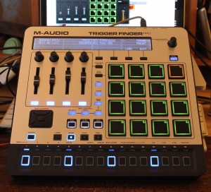 00 M-Audio Trigger Finger Pro